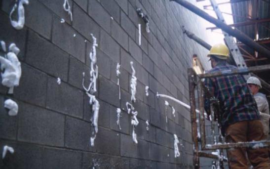 Fig. 4-4 Installation of foam-in-place CMU core insulation
